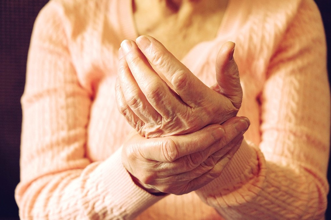 5 Tools to Relieve Arthritis Pain During Daily Activities