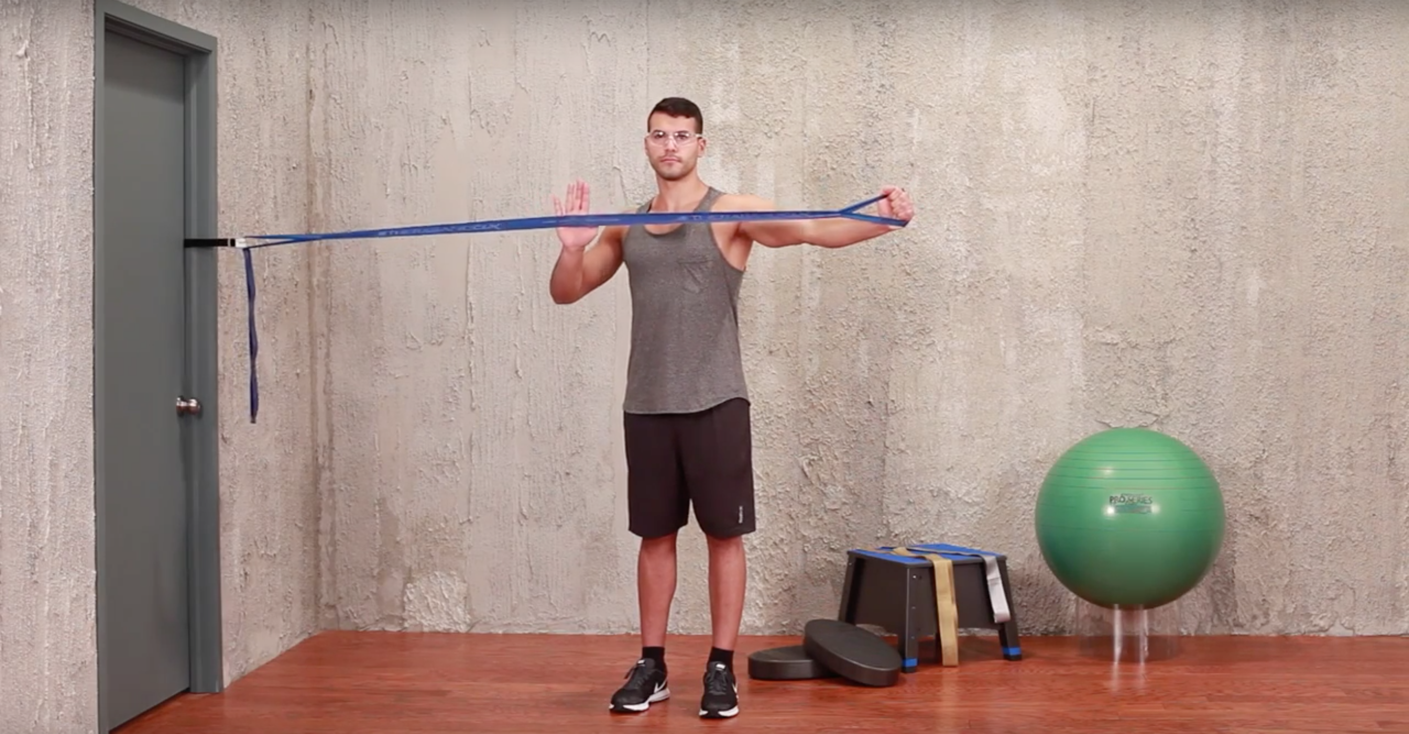 CLX Workout of the Weekend: Trunk Rotary Core Stabilization - Performance  Health Academy