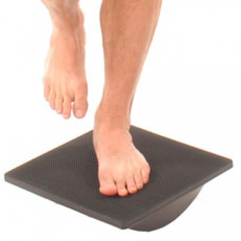 Thera-Band Rocker Board 1-leg balance Eyes Closed